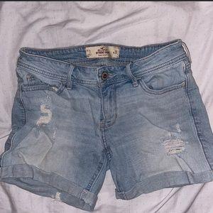 Hollister Boyfriend shorts